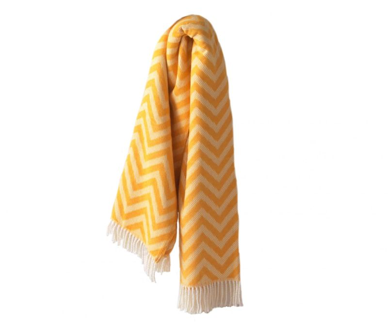 Chevron Saffron Yellow Pléd 140x180 cm