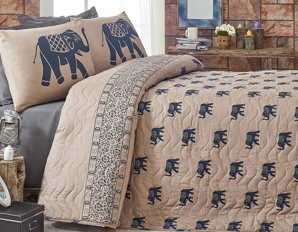 Set cuvertura matlasata Double Elephant Brown Dark Blue - Eponj Home, Albastru de la Eponj Home