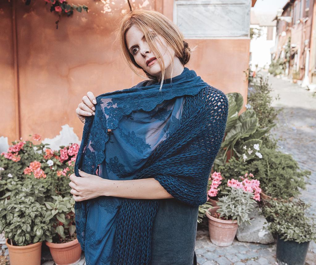 Esarfa dama Alaska Versailles Midnight Blue 100x160 cm - Chez Moi, Albastru imagine 2021