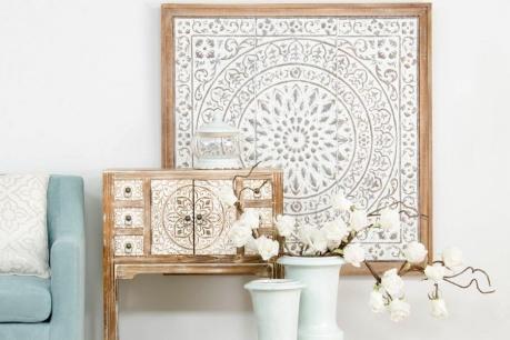 Екзотичен декор в бяло